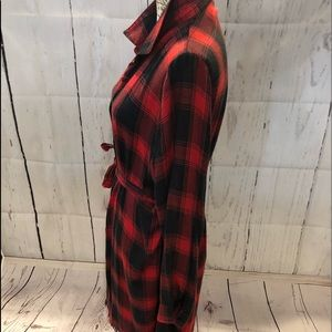 easel Tops - Red & black plaid lightweight maxi top